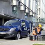 Новенький фургон Mercedes-Benz Citan
